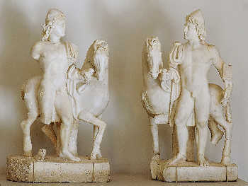 Gemini mentality: Castor and Pollux. Roman sculptures from the 3rd century.
